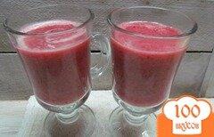 Фото рецепта: «Смузи из апельсина дыни и малины»