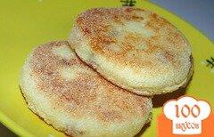 Фото рецепта: «Хрустящие сырники с изюмом»