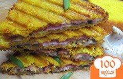 Фото рецепта: «Сэндвич-гриль с ветчиной грибами и сыром»