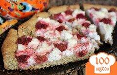 Фото рецепта: «Овсяный пирог с творогом и клубникой»