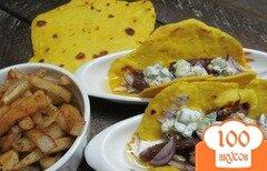 Фото рецепта: «Мясо на лепешке с жаренным картофелем»