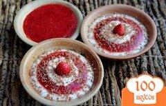 Фото рецепта: «Творожный десерт с клубничным смузи и шоколадом»
