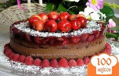Фото рецепта: «Шоколадный торт с ягодами»