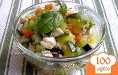 Фото рецепта: «Рагу из курицы с цуккини и базиликом»