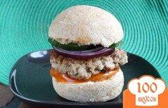 Фото рецепта: «Гамбургер с котлетой и домашней булочкой»