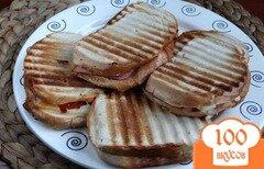 Фото рецепта: «Гриль-сендвичи с двойным сыром и сардельками»