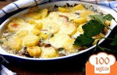 Фото рецепта: «Гратин из картофеля, шампиньонов и молочной колбаски»