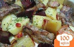 Фото рецепта: «Свекла и картофель запеченные с беконом и ребрами»