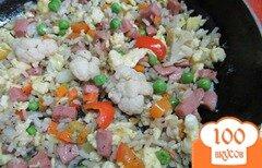 Фото рецепта: «Жаренный рис с замороженными овощами»