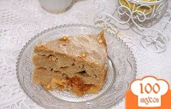 Фото рецепта: «Ржаной пирог с яблоками и хурмой.»