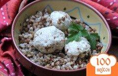 Фото рецепта: «Каша с мясными шариками на сковороде»