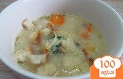 Фото рецепта: «Сливочный суп с цветной капустой и сухариками»