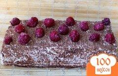 Фото рецепта: «Торт без выпечки, с творожным кремом и малиной»