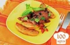 Фото рецепта: «Мясо с айвой, запеченное в пакете»