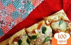 Фото рецепта: «Пицца с сыром и базиликом»