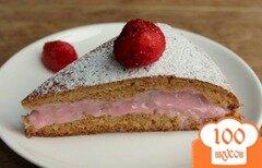Фото рецепта: «Медовый пирог с клубничным кремом»