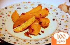 Фото рецепта: «Картофельные дольки с чесночным ароматом»