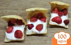 Фото рецепта: «Десерт с маскарпоне и клубникой»