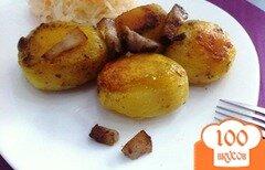 Фото рецепта: «Запеченный картофель с чесноком и салом»