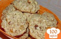 Фото рецепта: «Овсяное печенье с курагой и грецким орехом»
