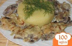 Фото рецепта: «Шампиньоны тушеные в сливочно-сырном соусе»