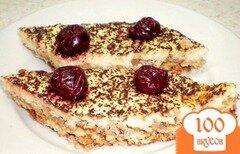 Фото рецепта: «Овсяный пирог на белках с орехами и творожным муссом»