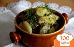 Фото рецепта: «Немецкий картофельный салат с маринованными огурцами»