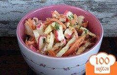 Фото рецепта: «Салат с корейской морковкой, омлетом и крабовыми палочками»