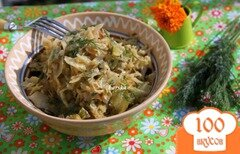 Фото рецепта: «Молодая капуста, тушенная в сметане с укропом»