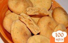 Фото рецепта: «Соленое томатное печенье с укропом и прованскими травами»