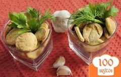 Фото рецепта: «Постный крекер с зеленью и чесноком»