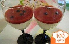 Фото рецепта: «Панна котта с клубничным сиропом»
