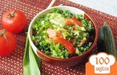 Фото рецепта: «Весенний салат с огурцом, черемшой и помидором»