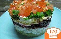 Фото рецепта: «Салат из отварной рыбы сыра и свеклы»