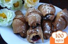 Фото рецепта: «Творожные рогалики с вишней и шоколадом»