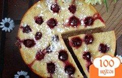 Фото рецепта: «Пирог на кислом молоке с вишней»