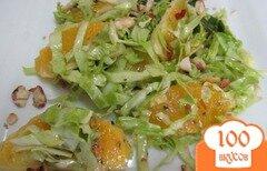 Фото рецепта: «Салат из молодой капусты с апельсином и арахисом»