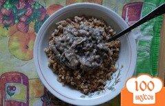 Фото рецепта: «Гречка с яйцами и грибным соусом»