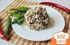 Фото рецепта: «Салат из рыбных консервов и зелени»