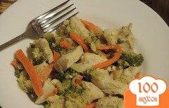 Фото рецепта: «Курица с брокколи и овощами»