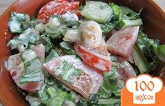 Фото рецепта: «Салат со щавелем овощами и грибами»