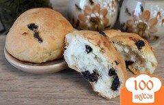 Фото рецепта: «Дрожжевые булочки с изюмом»