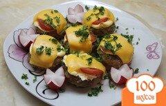 Фото рецепта: «Свиные биточки с помидорами и сыром»