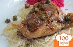 Фото рецепта: «Куриное бедро под беконом с каперсами»