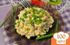 Фото рецепта: «Салат с крабовыми палочками, кукурузой и огурцом»