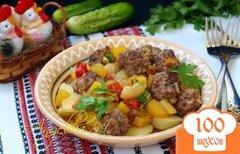 Фото рецепта: «Обжаренные фрикадельки с соусом из овощей»