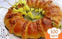 Фото рецепта: «Кольцевой пирог с вишней и орехами»