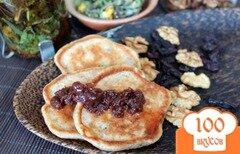 Фото рецепта: «Высивковые оладьи с изюмом и орехами»