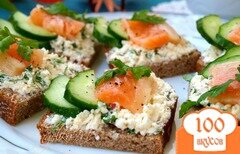 Фото рецепта: «Бутерброды с сёмгой и сыром фета»