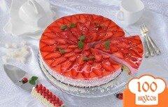 Фото рецепта: «Торт с клубничным муссом и желе»